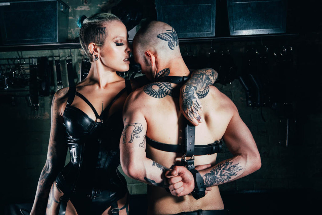Dominatrix Gives Empowering Insight Into Her Work fettersphotoshoot 6192 1048x700