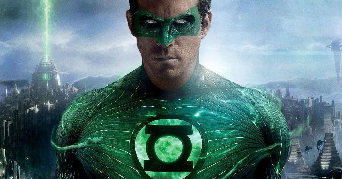 Ryan Reynolds in a Green Lantern promotional still