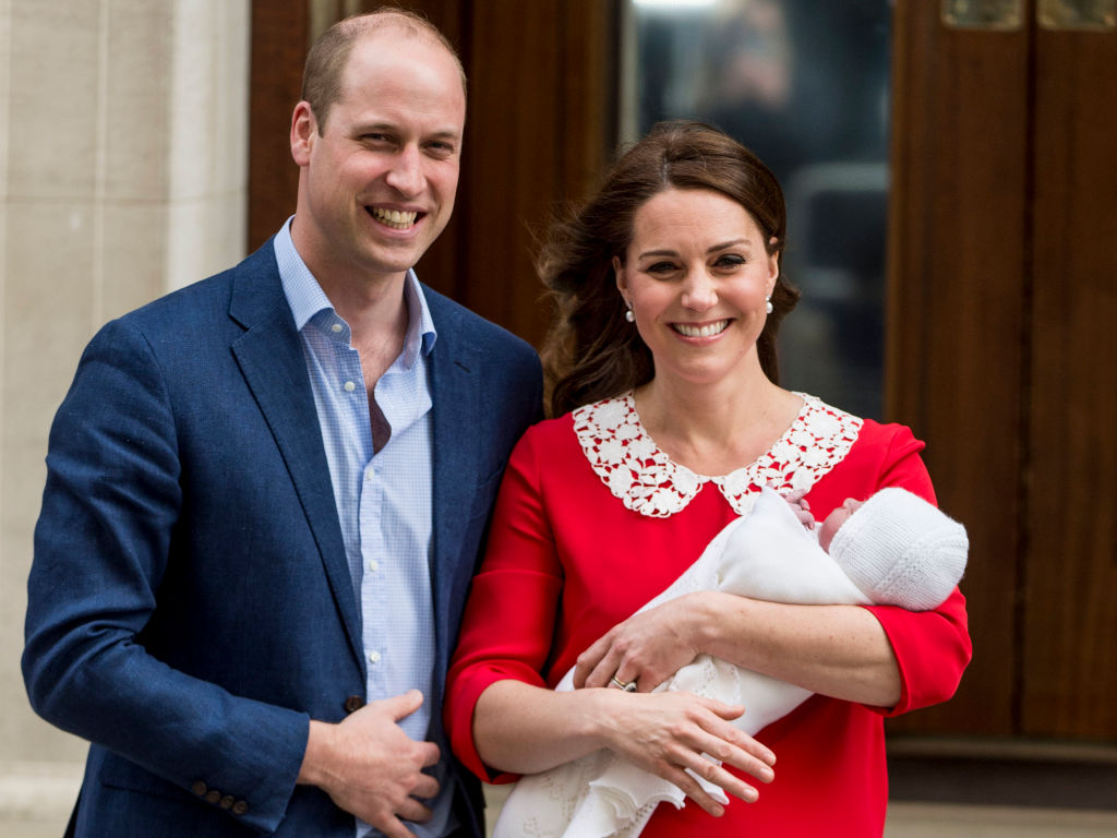 Viral Pic Of Prince William 'Giving The Middle Finger' Isn ...