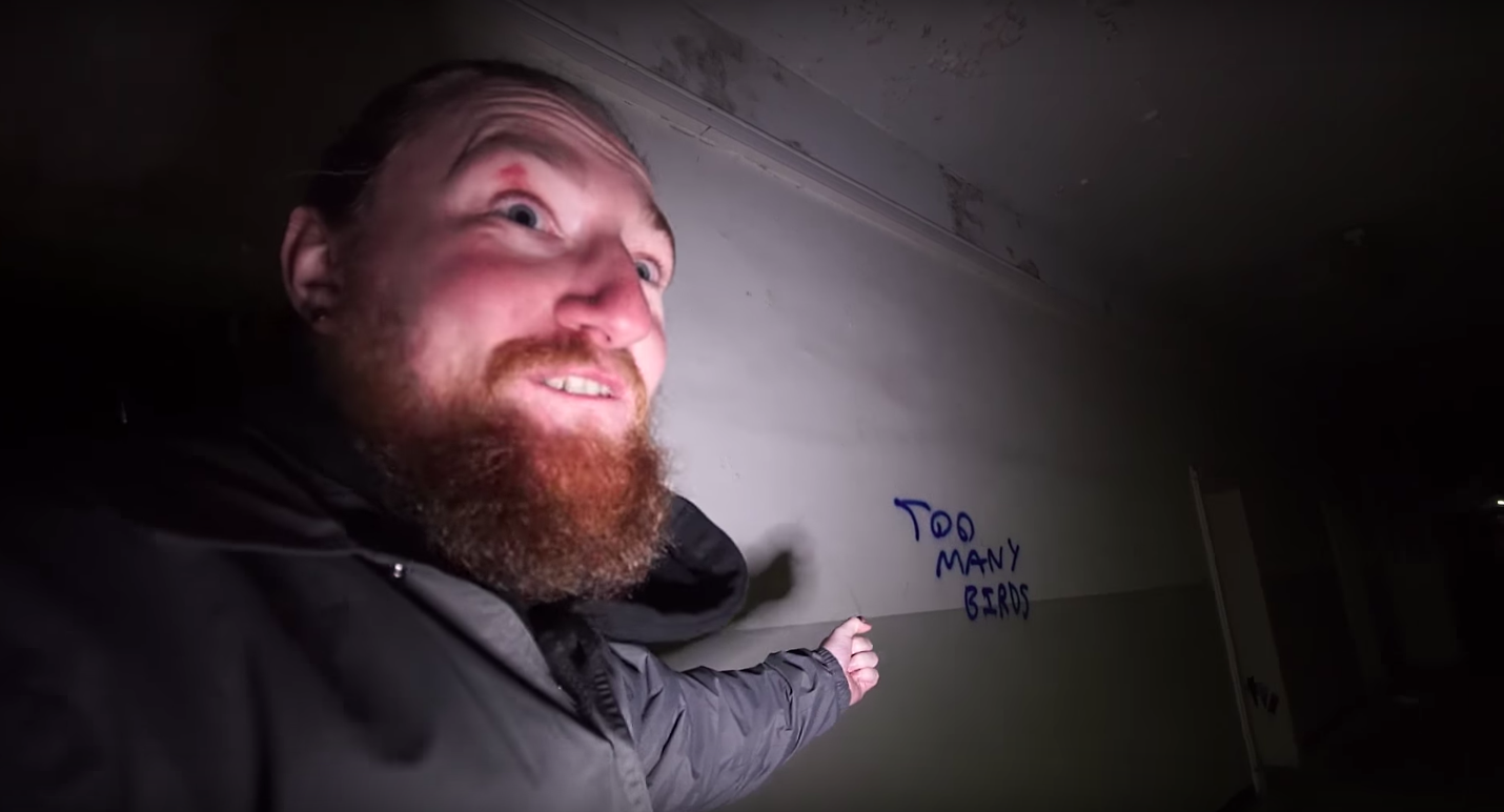 Explorers Left Terrified By Creepy Messages In Abandoned Offices hell on earth youtube urban exploration