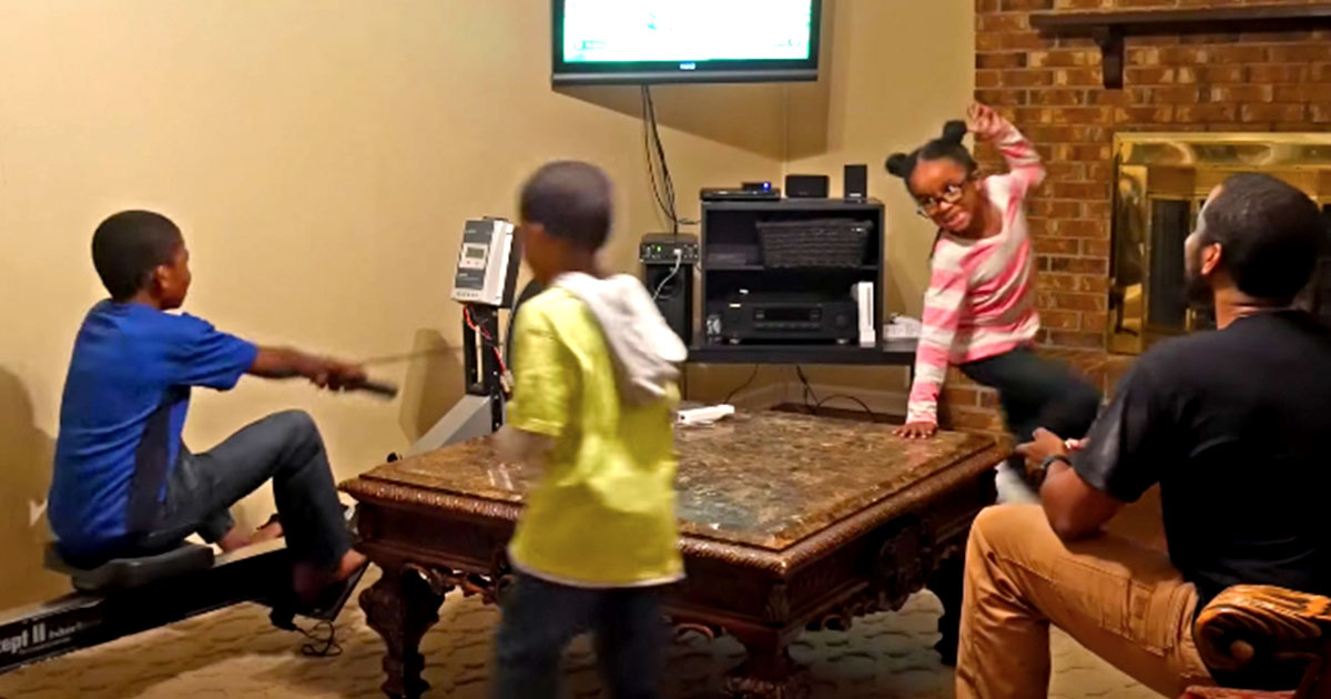 Dad Makes Kids Manually Generate Electricity To Power Their Wii rowing machine