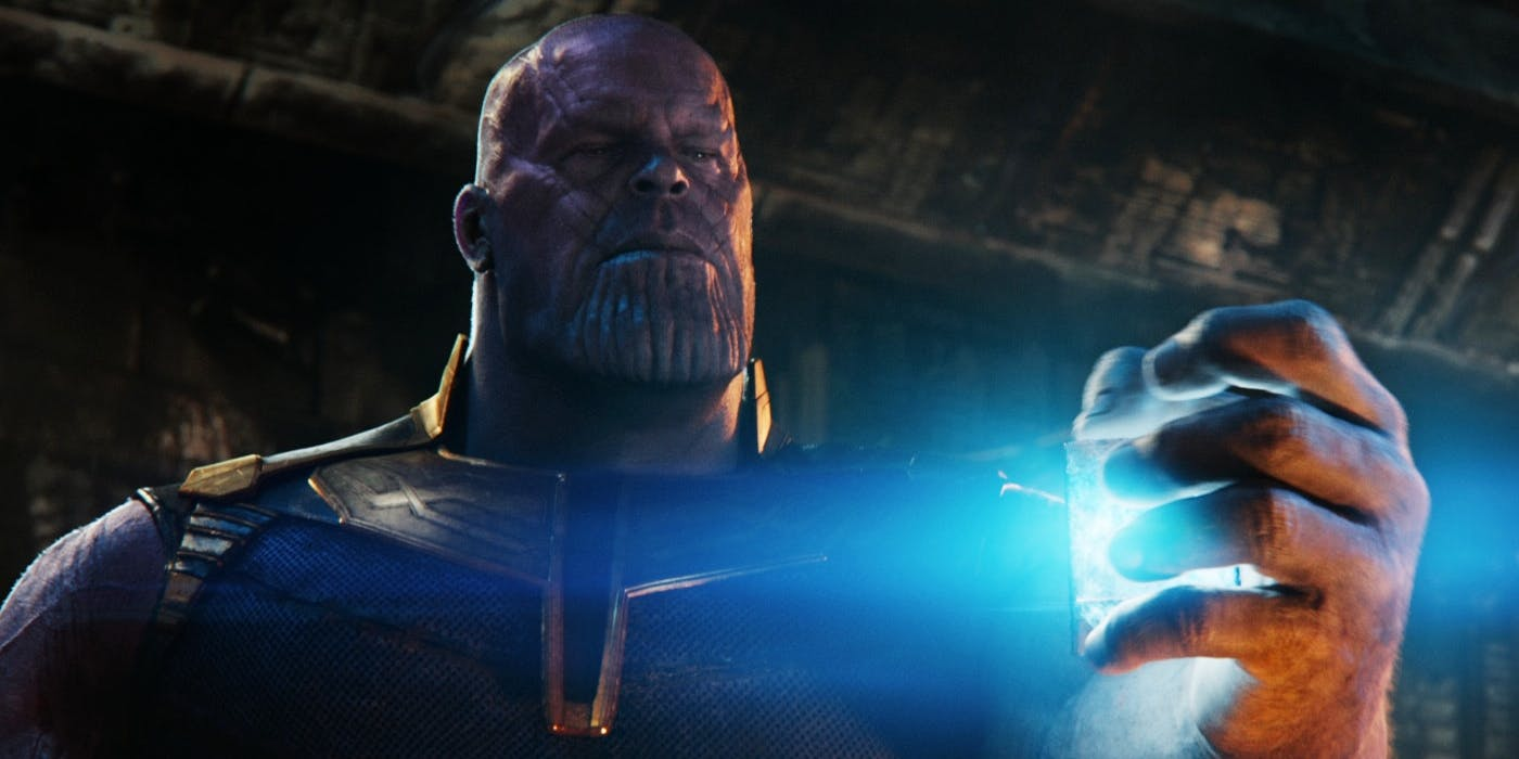 Thanos holds the tesseract in Infinity War
