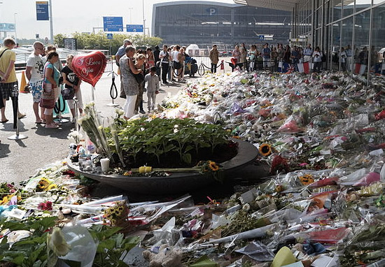 Tributes tp flight MH17 in Amsterdam