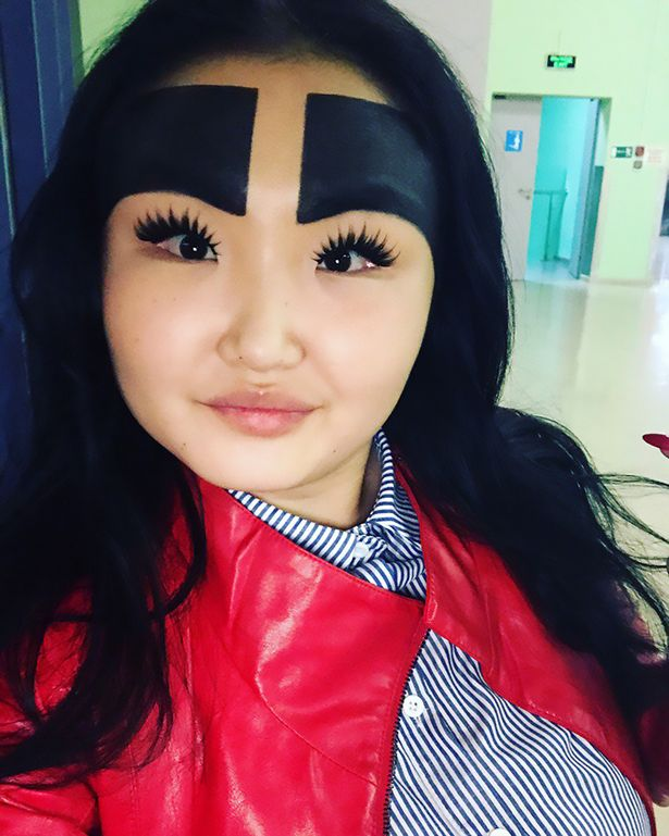 Huge eyebrows go viral