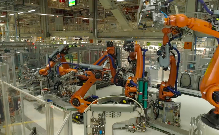 Dancing Robots Now Build Cars And Its Pretty Terrifying Screen Shot 2018 05 08 at 17.29.30