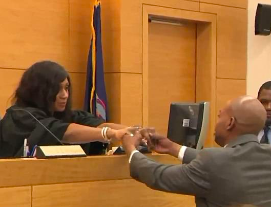 Man Weeps And Holds Hand Of Judge Who Exonerated Him Of Crime He Didnt Commit Screen Shot 2018 05 17 at 07.53.59