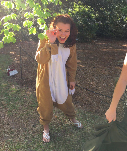 Girl Dresses As A Sloth And Photobombs Everyones Prom Photos Sloth4