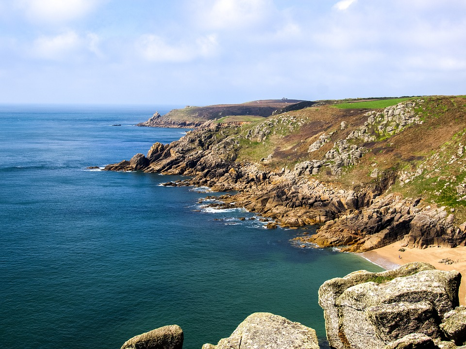 an image of the Cornish coastline
