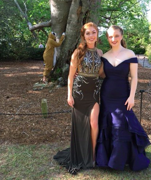 Girl Dresses As A Sloth And Photobombs Everyones Prom Photos sloth5