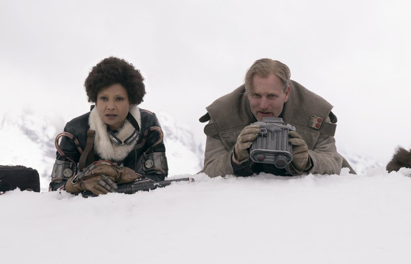Val and Tobias Beckett (Woody Harrelson and Thandie Newton) In Solo: A Star Wars Story