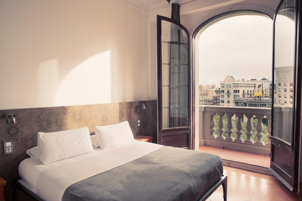 A room at Barcelona hostel, Casa Gracia, by Hostelworld