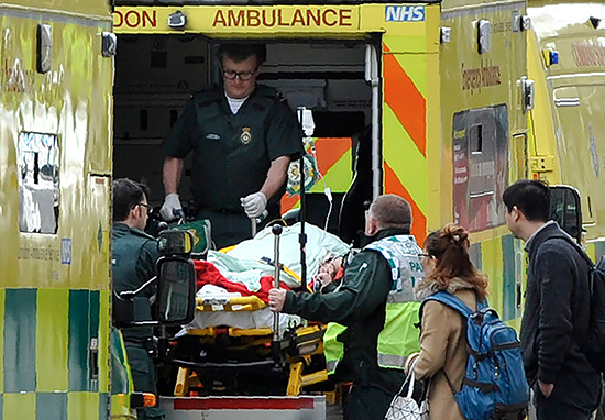 Over One Million NHS Workers Get First Proper Pay Rise In Eight Years Ambulance