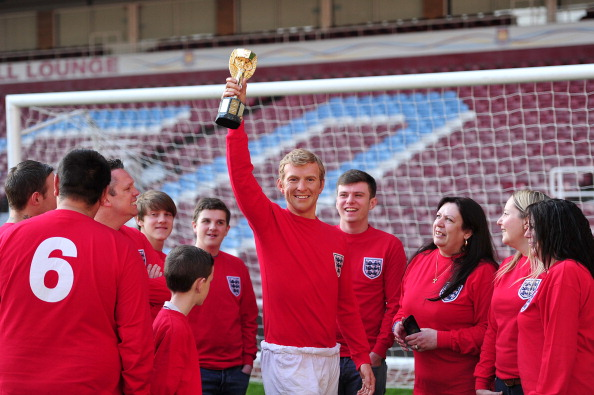 Bobby Moore lookalike celebrates 1966 World Cup win