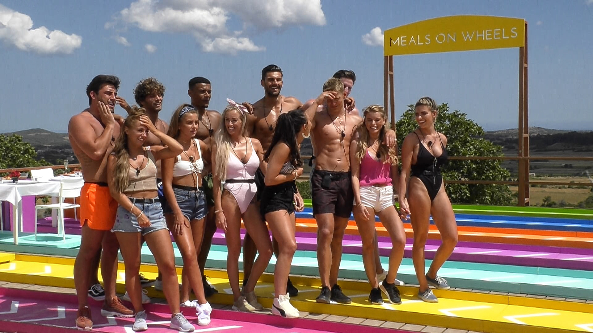Love Island Photo Shows Who Megan Couples Up With Tonight LOVE ISLAND SR4 EP10 19