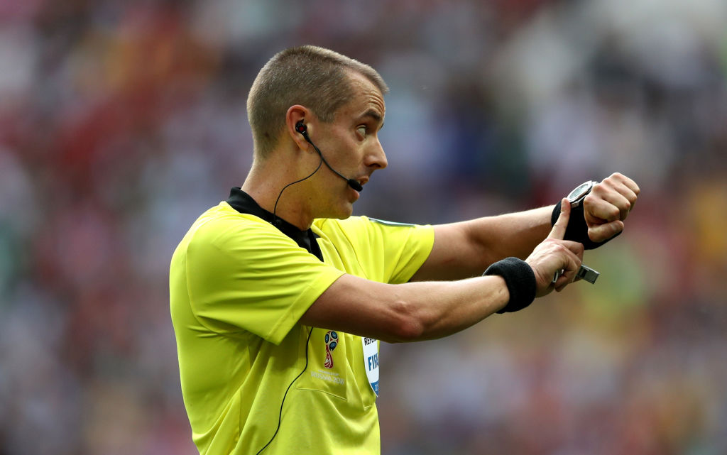 Referee Mark Geiger