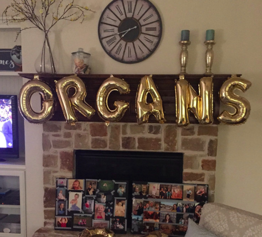 Girls Family Have Way Too Much Fun With Her Graduation Balloons ORGANS