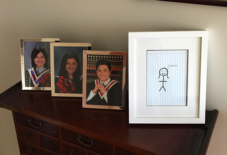 girl draws own graduation picture unilad