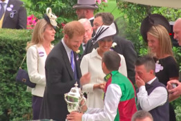 Prince Harry banters Frankie Dettori