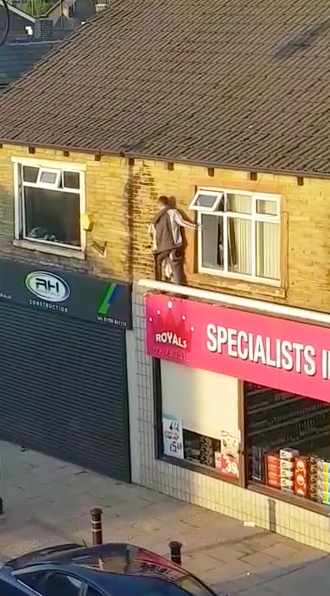 Thiefs Escape From Shop He Got Locked Inside Goes Horribly Wrong THIEF 2