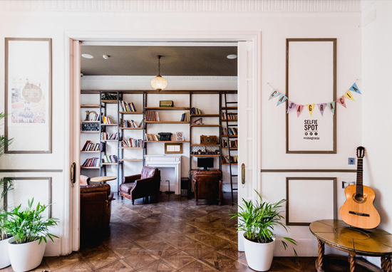 This barcelona hostel is good enough for mariah carey for Hotel gracia barcelona