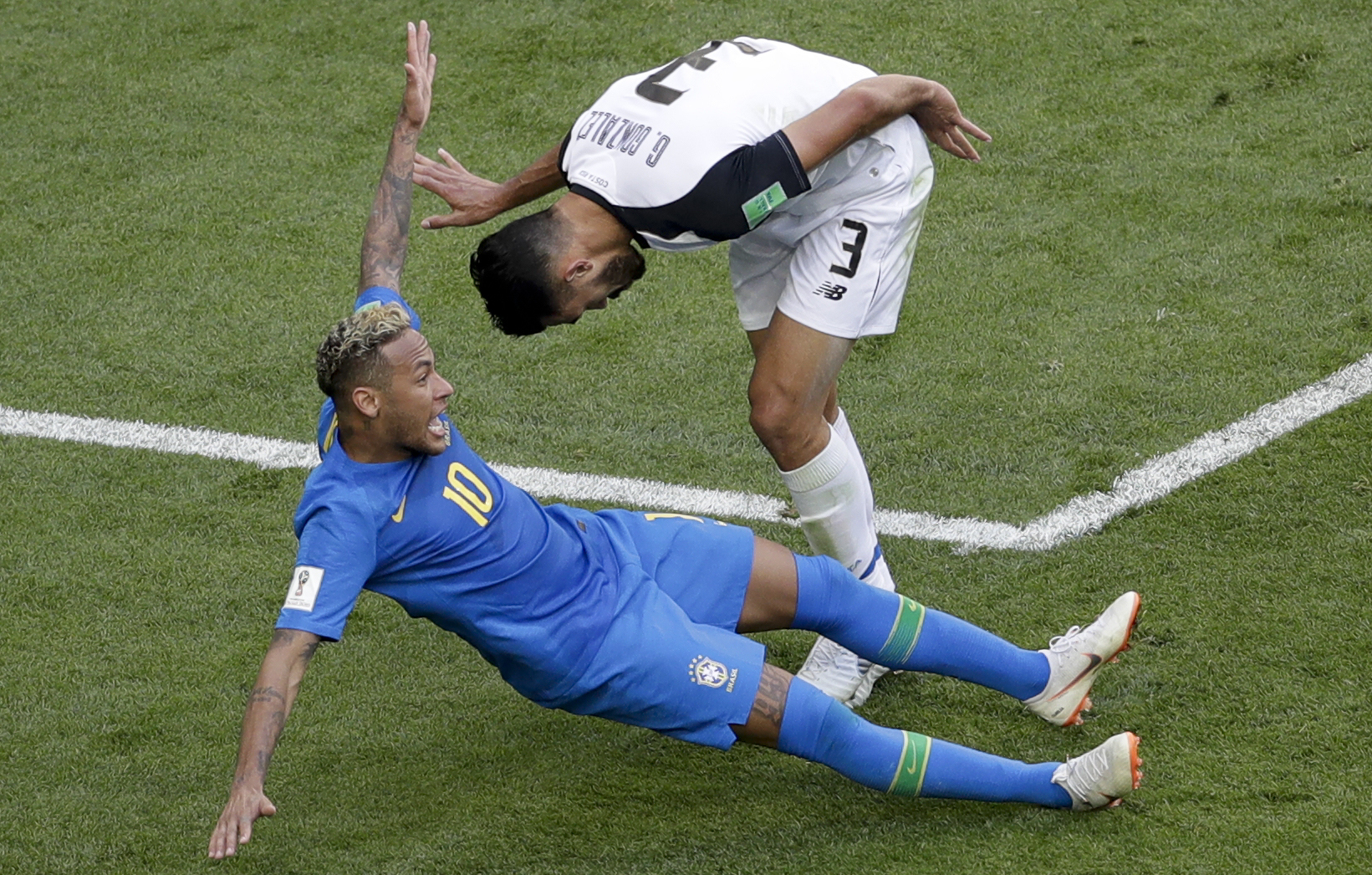 Neymar Destroyed By Fans For His Ridiculous Diving In The World Cup neymarPA1