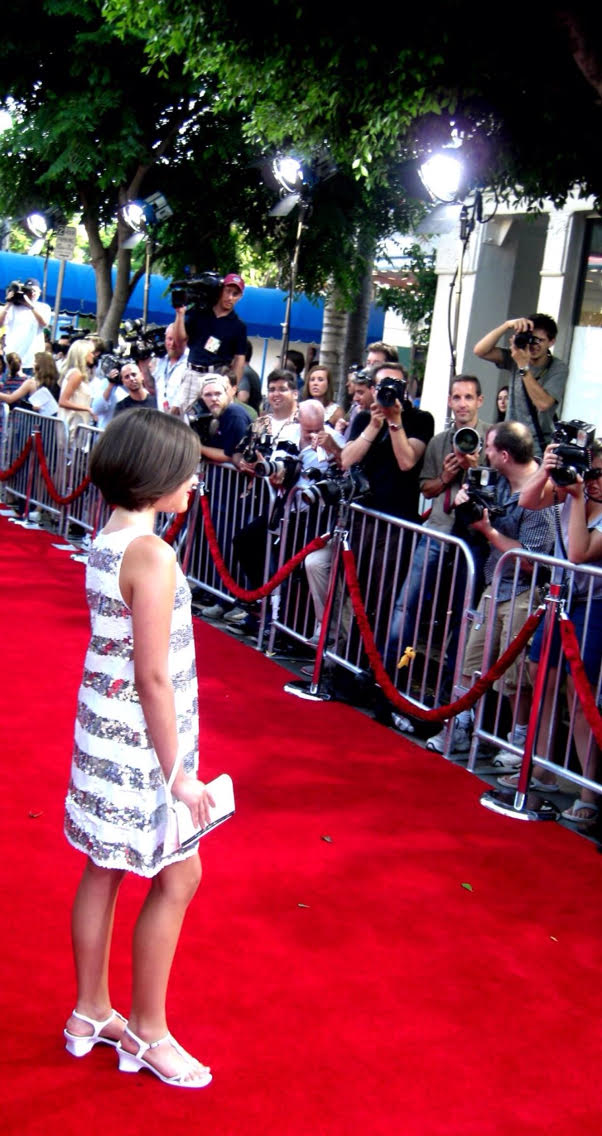 Elizabeth Yozamp, the kid from Step Brothers, on the red carpet