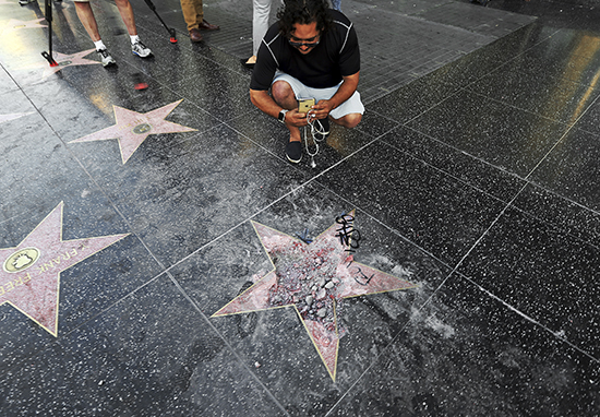 Man Who Destroyed Trumps Hollywood Star Bailed Out Of Jail By Last Guy Who Did It Donald Star A