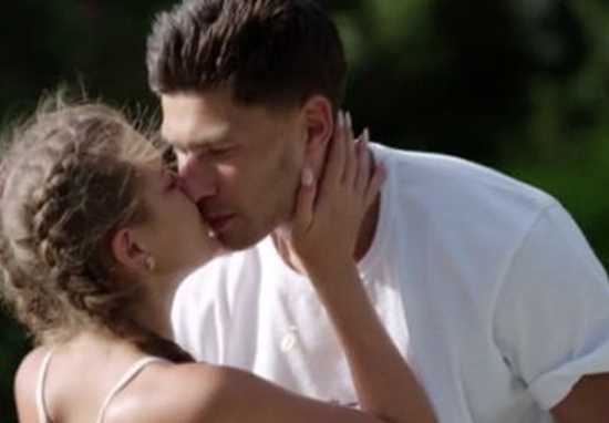 Jack and Georgia kiss on Love Island.