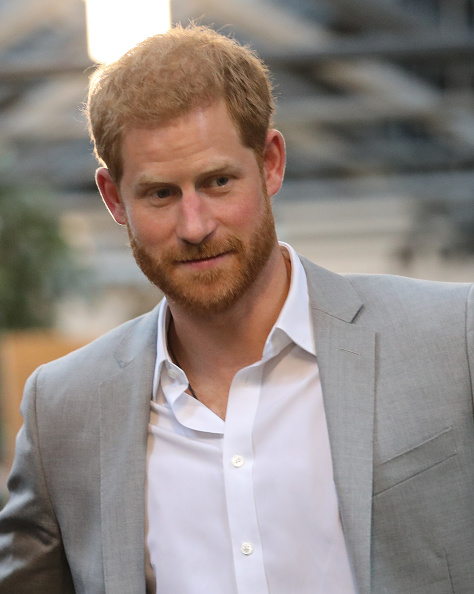 Prince Harry wearing suit