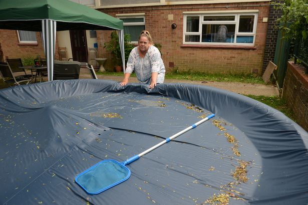 Families Ordered To Remove Paddling Pool In Case Burglar Drowns SWNS POOL REMOVAL 03