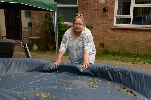 Families Ordered To Remove Paddling Pool In Case Burglar Drowns SWNS POOL REMOVAL 04