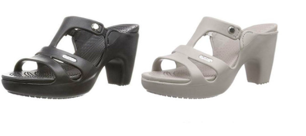 High-heeled crocs are now fashionable.