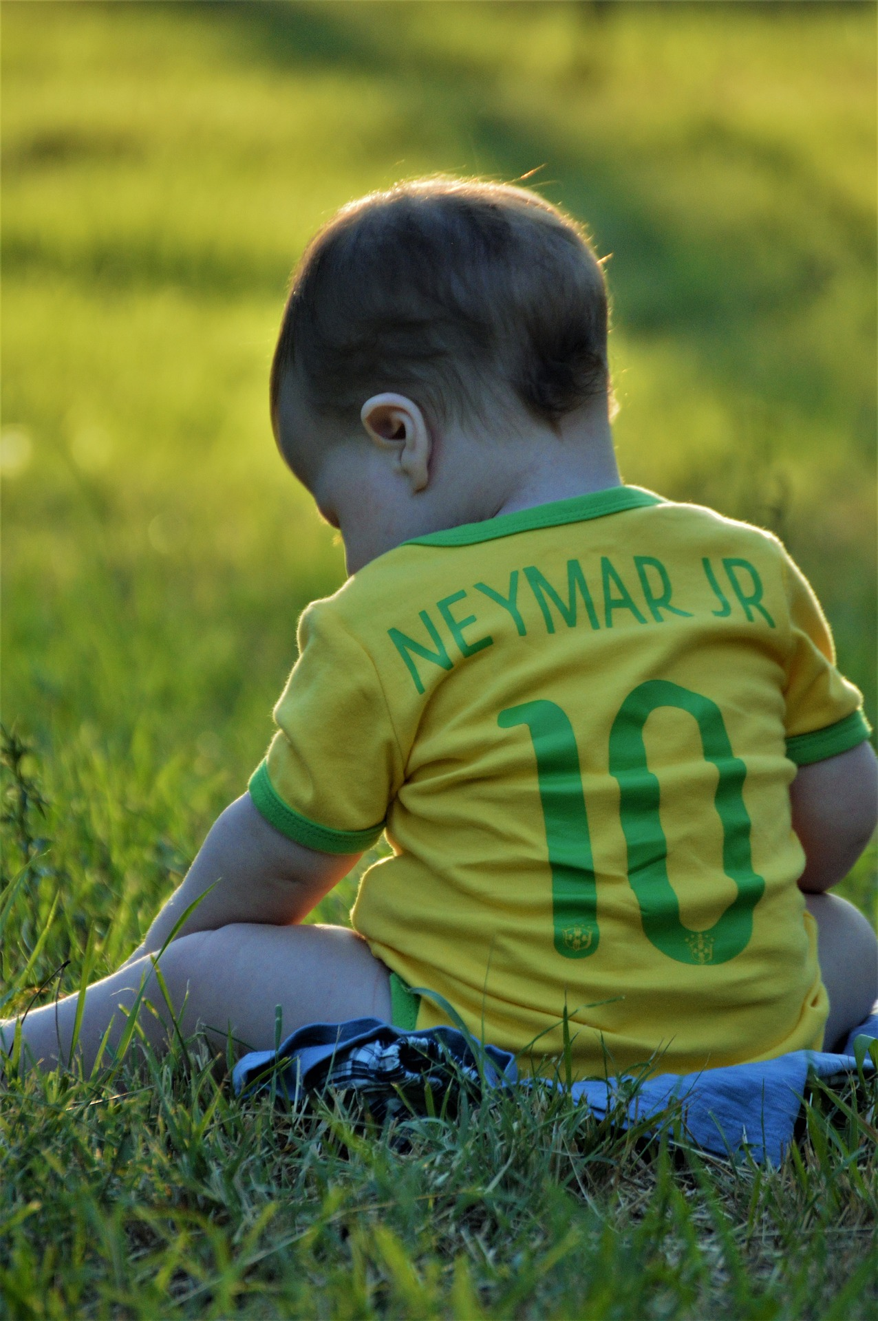 baby in neymar jr shirt