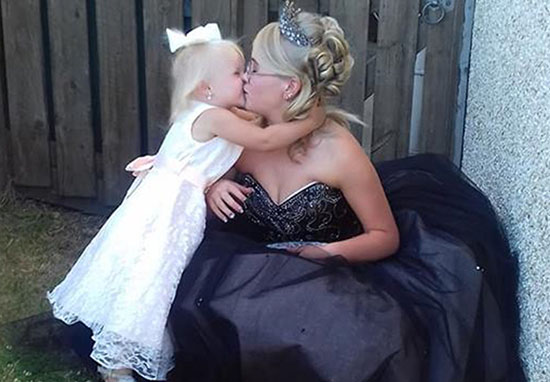 young mum takes daughter to prom