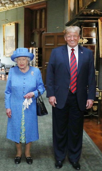 Did The Queen Send Coded Messages To Trump With Her Jewellery? trumpqueenPA