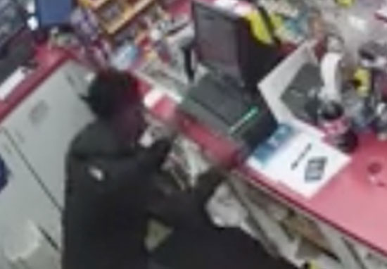 Teens rob store while shop keeper has heart attack