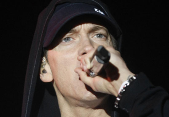 Eminem Brutally Responds To Machine Gun Kelly Diss Track eminem
