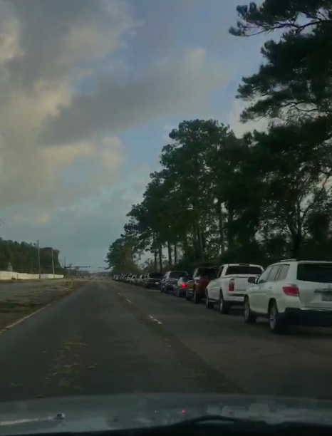 Queue for petrol after Hurricane Florence