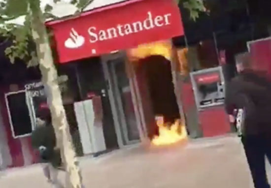 Petrol fire at Hull bank