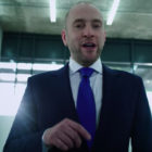 Derren Brown Tries To Brainwash White Man Into Saving 'Illegal Immigrant's' Life