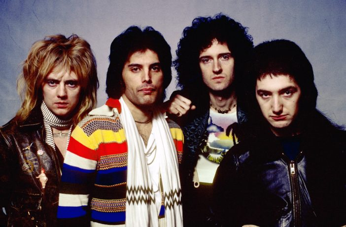 Photo of QUEEN and Roger TAYLOR and Freddie MERCURY and Brian MAY and John DEACON