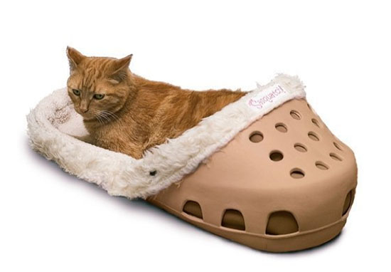 Dog shaped shoe bed