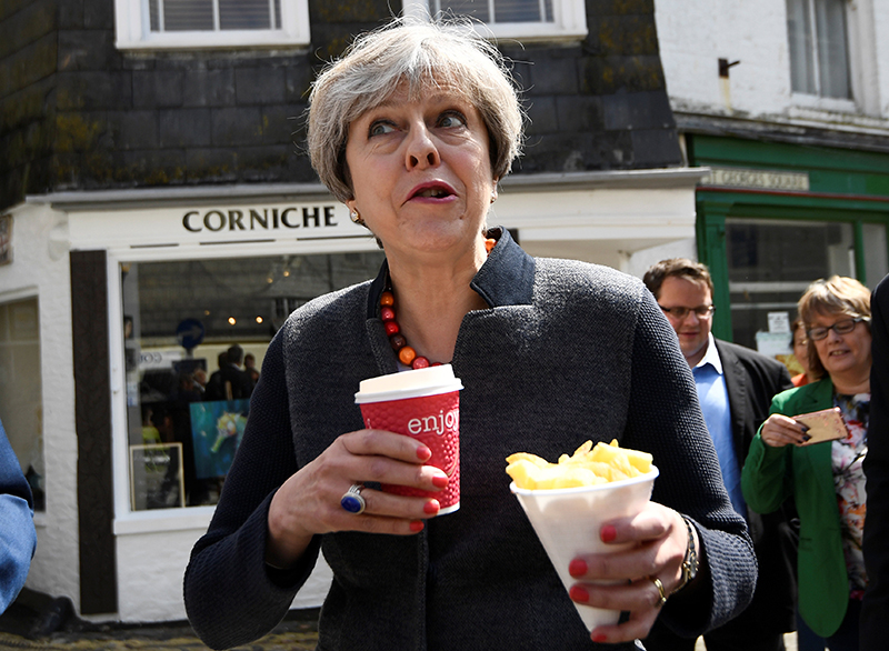 theresa may eats chips cornwall