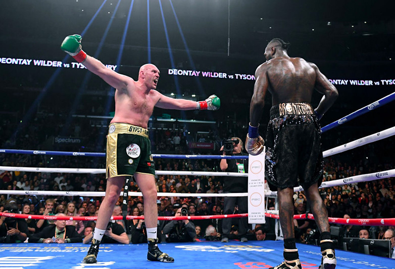 Tyson Fury arms open v Wilder