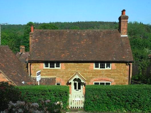Cottage which inspired The Holiday is up for sale