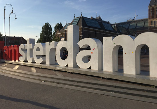 I Amsterdam sign removed