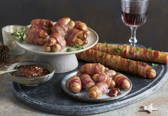 pigs in blankets foot long Aldi