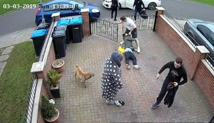 Man punches men who are harassing his mum.