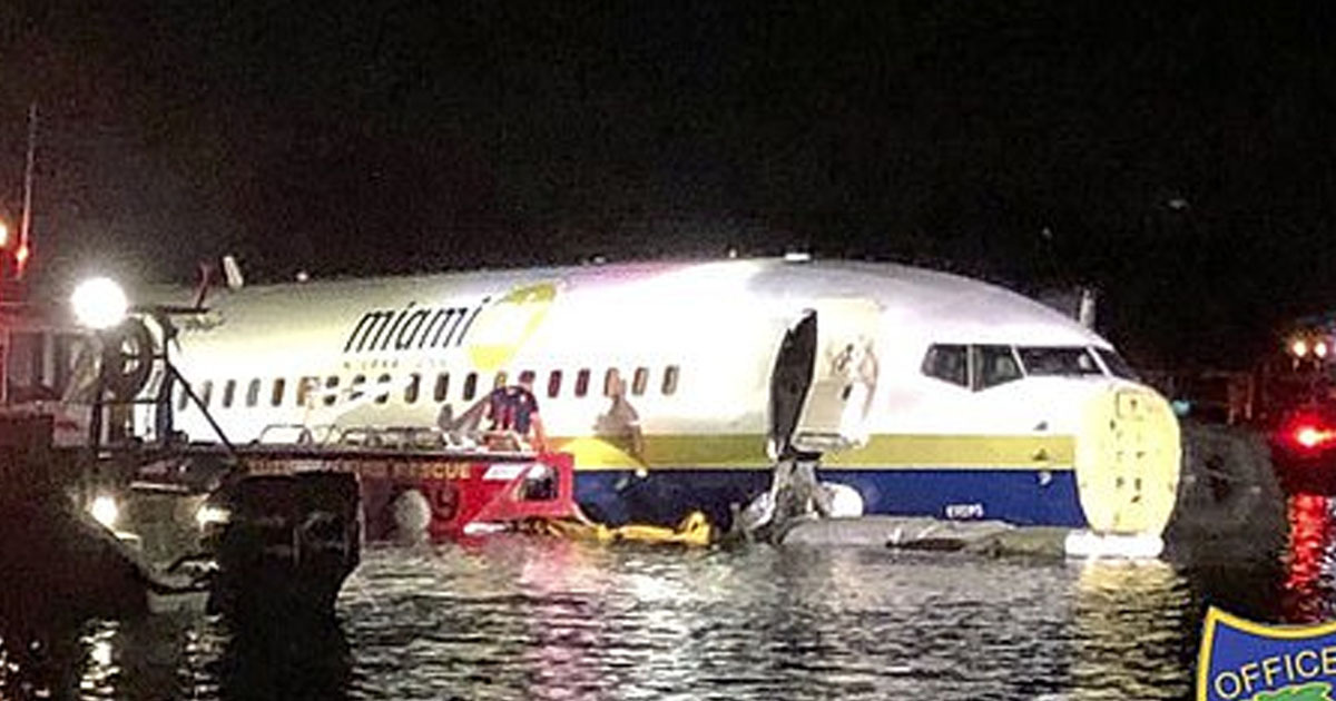 plane slid into river
