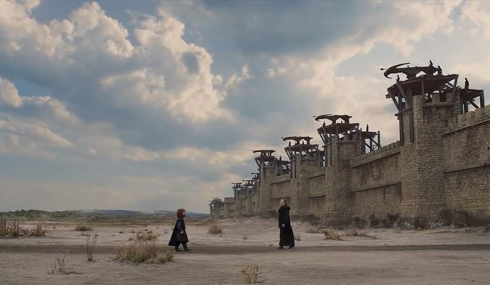Game Of Thrones Fans Think They've Spotted Another Editing Mistake king's landing desert
